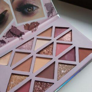Wibo Cherry Nude eyeshadow palette